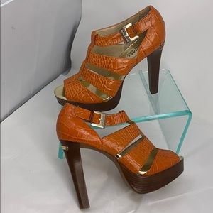 Michael Kors Sz 7.5 Orange Croc Leather Sandals